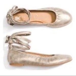 BC Footwear Lace Up Ballet Flats, Size 7